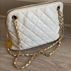 Chanel vintage Lamb leather quilt shoulder bag